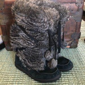 Eddie Bauer Pom Pom faux fur high winter boots